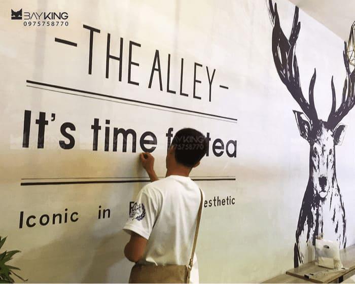 vẽ tranh tường typography phóng khoáng
